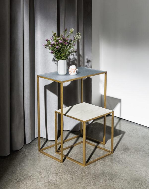 table basse carré dorée